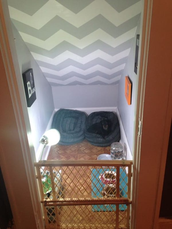 25 great ideas of dog house under staircase tail and fur - Furniture for small bedrooms keep space under control ...