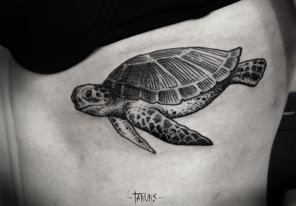 Simple-and-Small-Sea-Turtle-Tattoos-Design