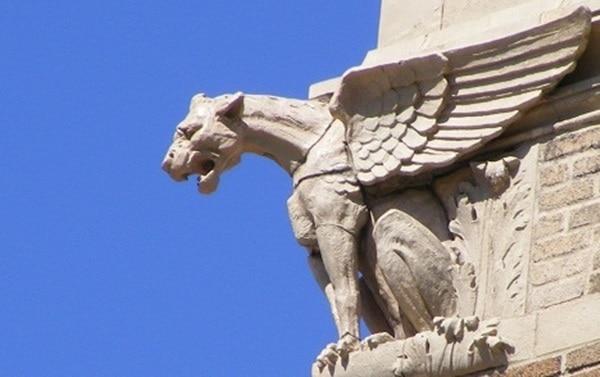 10 Famous Animal Statues Worldwide