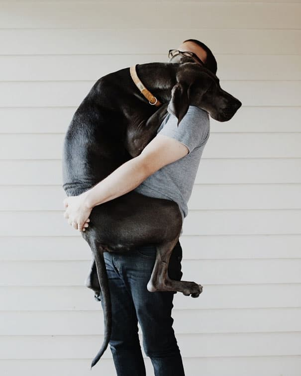 40 Pictures of Animals and Humans Hugging 1 (12)