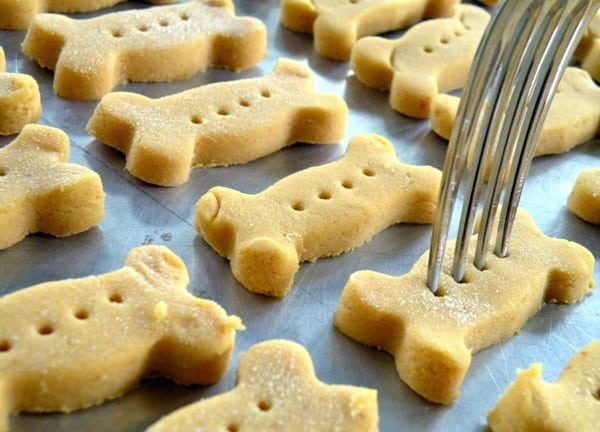 How to Make Christmas Cookies for your Dog 2